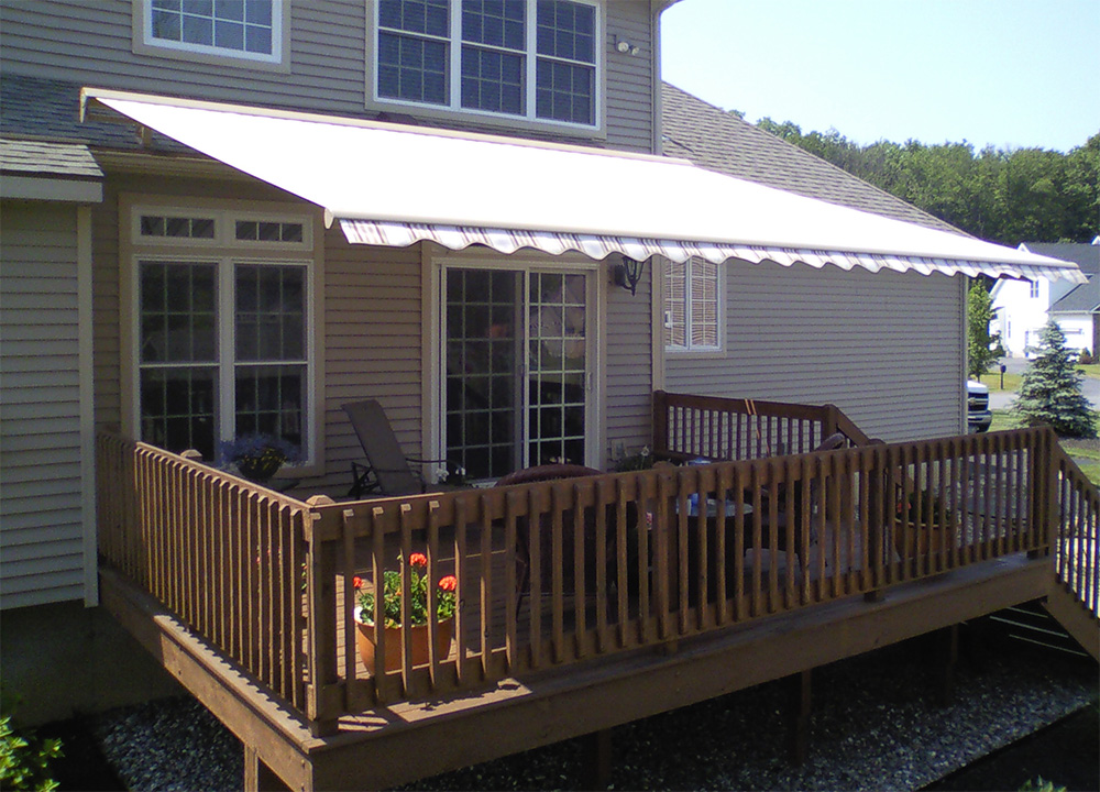 Retractable Deck Amp Patio Awnings Garage Door Service